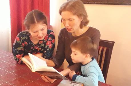 в преддверии празднования Дня православной книги встречи были посвящены обзору литературы, посвященной христианской педагогике и воспитанию детей в семье. Сформирован общий список рекомендованных изданий в помощь православным семьям на приходе